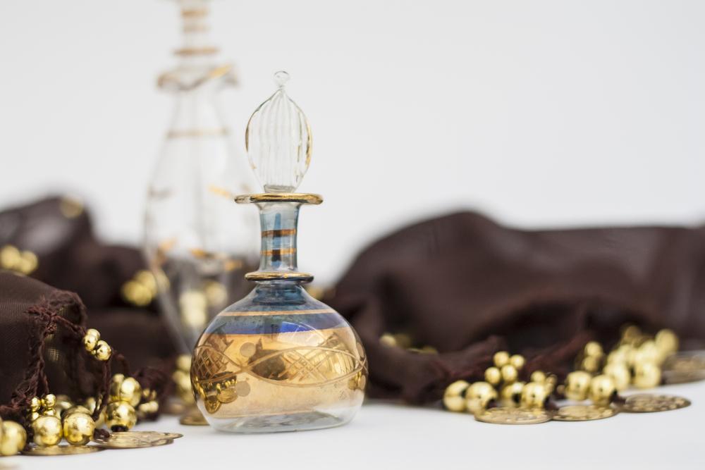 bottiglia araba di profumo